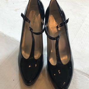 Tahari T strap navy Blue Heels - Sz 8.5